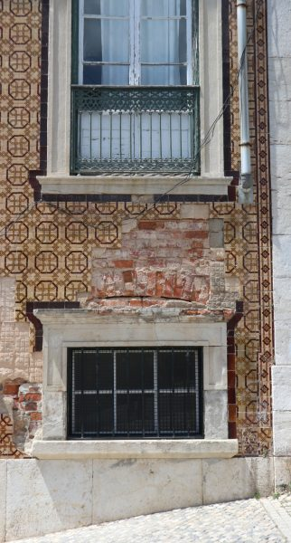 Lisbon wall tiling and stone on rendered brickwork